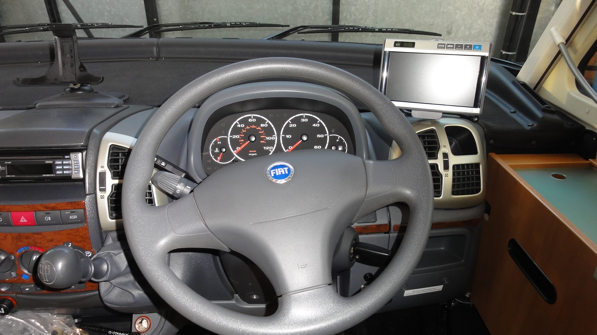 Hymer steering wheel with M7L installed